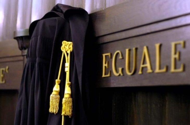 Risultati immagini per giudice toga